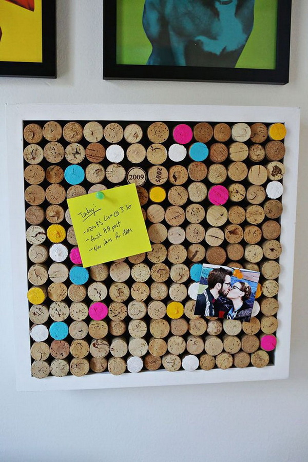 DIY Wine Cork Bulletin Board.
