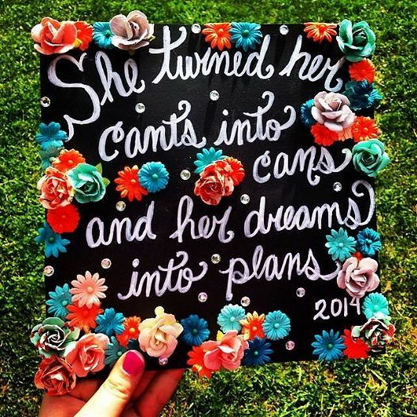 Awesome Daisy Flowers on Graduation Cap. 30+ Awesome Graduation Cap Decoration Ideas.