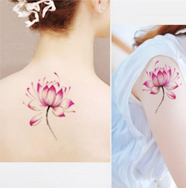 Hermosos tatuajes de loto en la manga o la espalda para niñas.