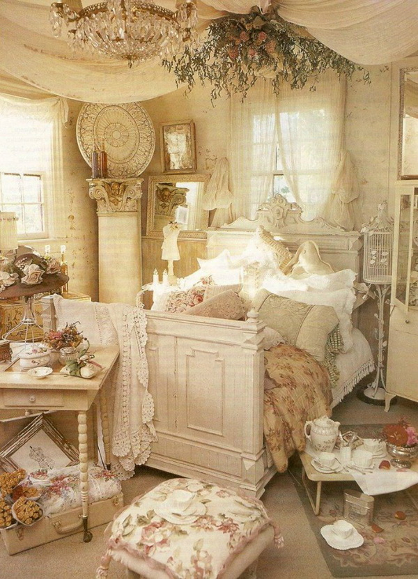 Fancy Bedroom Decorating in Shabby Chic Style.