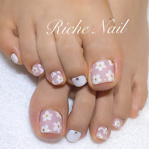 50 Pretty Toe Nail Art Ideas For Creative Juice