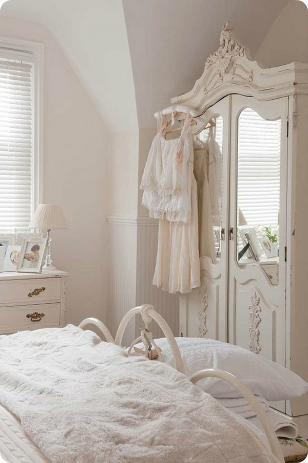 Stylish and Fresh Shabby Chic Bedroom Style.