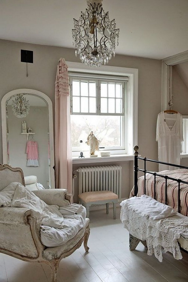 Soft Pink & Gray Vintage Chic Bedroom Decoration.