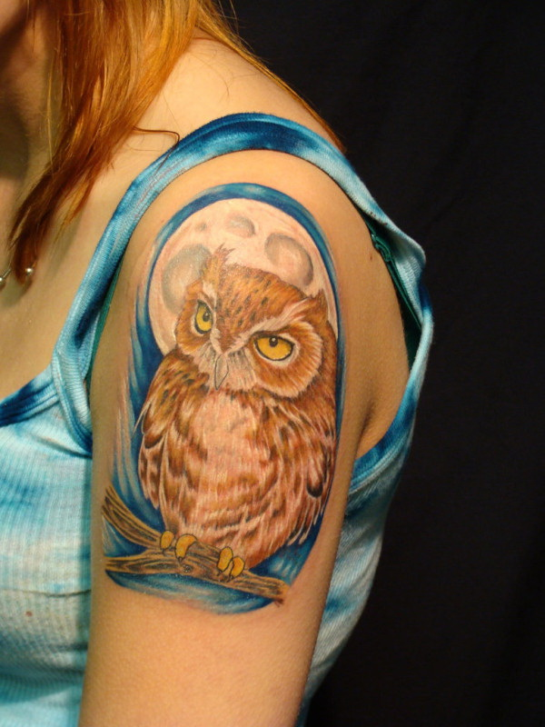 Girl Shoulder Owl Tattoo. More via https://forcreativejuice.com/attractive-owl-tattoo-ideas/