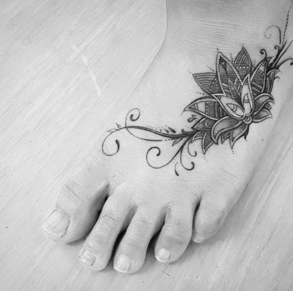 Little Mandala Piece on Foot.