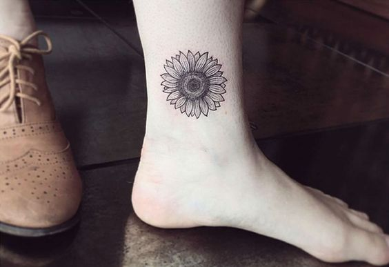 Black and White Sunflower on Ankle.