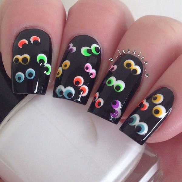 Scary Eyes Halloween Nail. Halloween Nail Art Ideas.