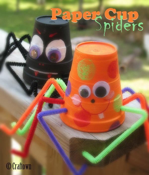 cute paper cup spiders and bats - Cute Halloween Crafts