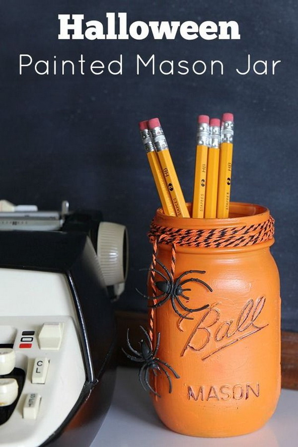 A crazy quick and easy Halloween craft for reusing empty maosn jar at your home!