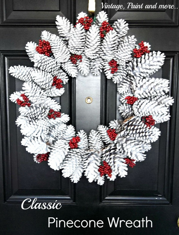 Winter Wonderland Pine Cone Wreath.