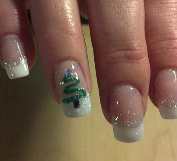 DelicateChristmas Tree Nail Art.