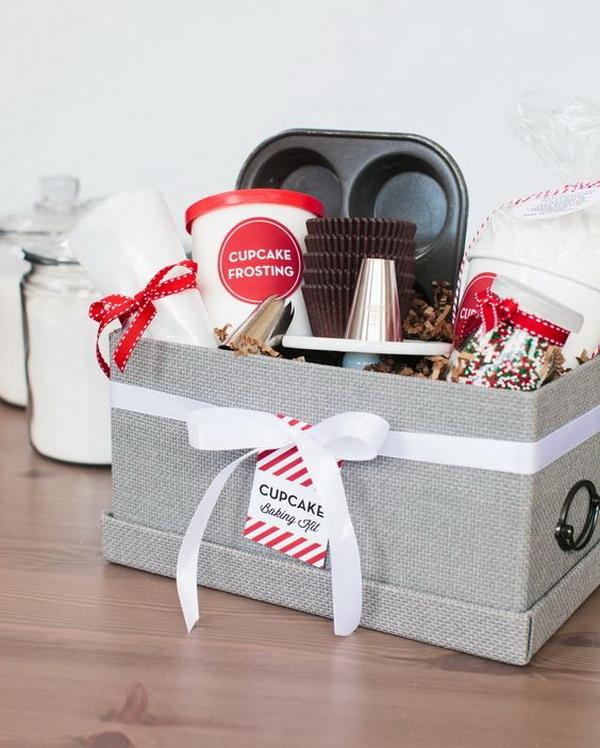 45 creative diy gift basket ideas for christmas for creative juice holiday cupcake baking kit solutioingenieria Choice Image