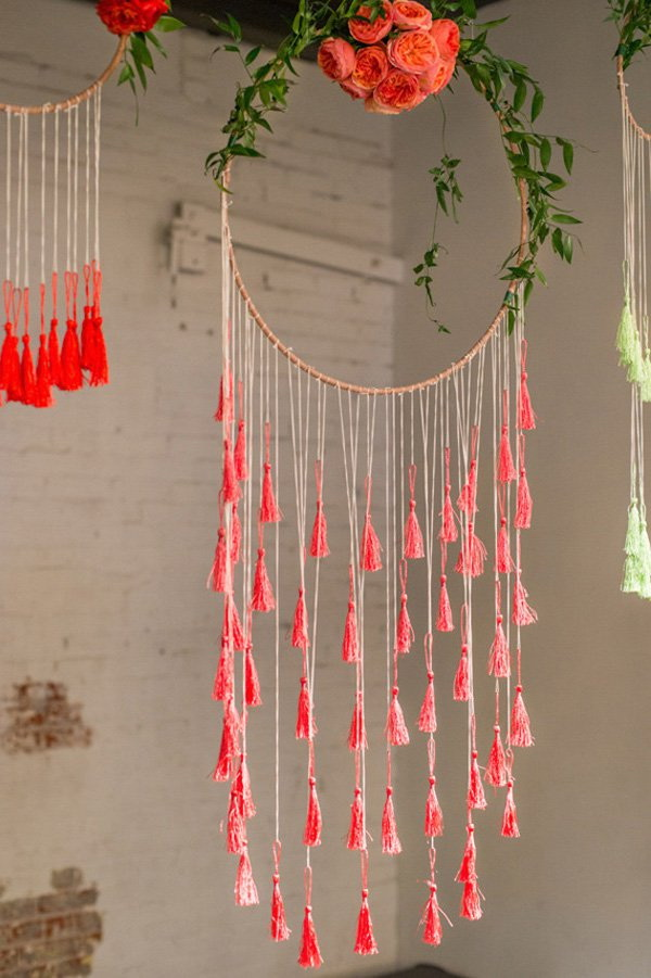 Different with the classic dream catchers, this one has no loop. But the floral and tassel design make it great pieces for weddings or other room's decor for girls.