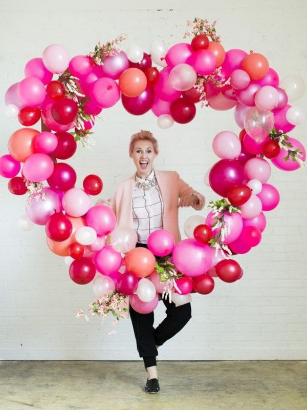 This balloon heart will make an awesome backdrop for a photo station.