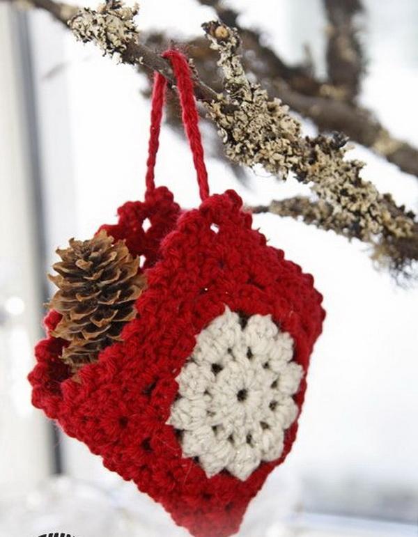Crochet Christmas Bag Ornament.