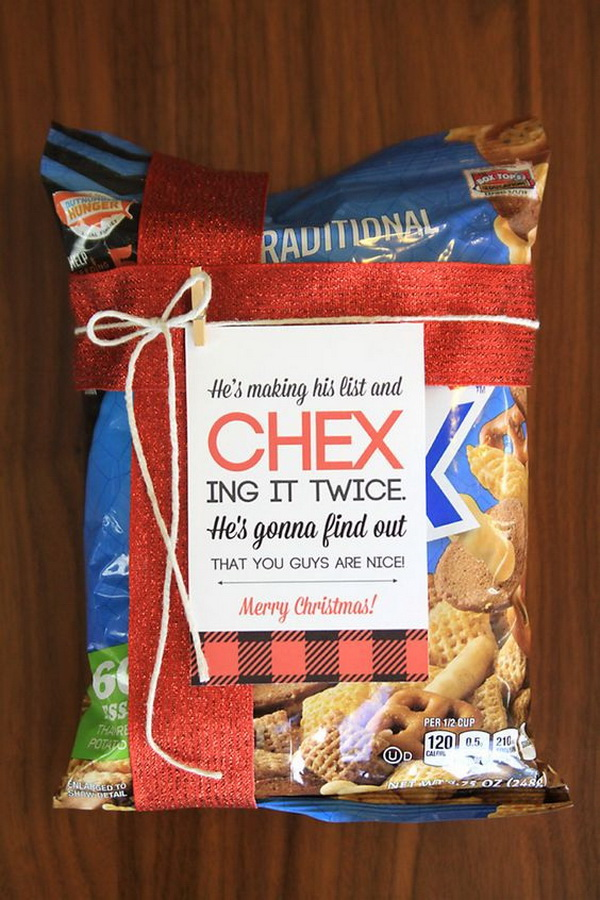 Christmas Neighbor Gift Ideas: Chex Mix with Cute Free Printable Tag.