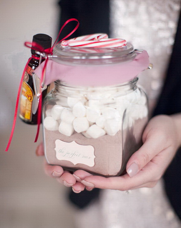 Christmas Neighbor Gift Ideas: DIY Hot Cocoa Mix