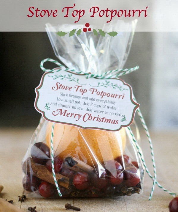Christmas Neighbor Gift Ideas: Stove Top Potpourri Recipe with Printable