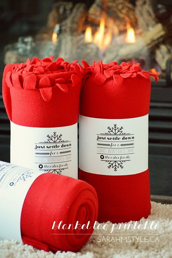Christmas Neighbor Gift Ideas: The Gift of Cozy with a Free Printable Tag