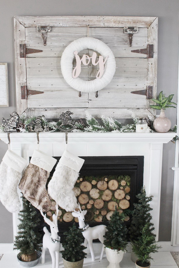 Rustic and Cozy Mantel Decor for Christmas.