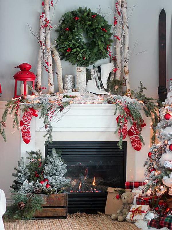 Festive Christmas Mantel Decoration.