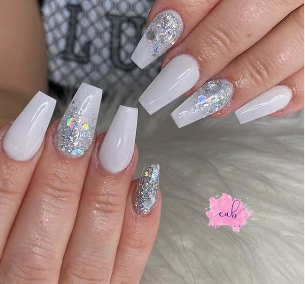 40+ Impressive White Coffin Nail Designs You'll Flip For in 2020.