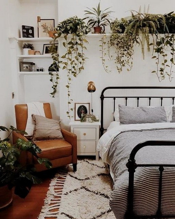 Bohemian style decor for bedroom.