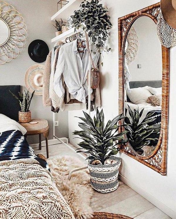 Boho style decor for bedroom.