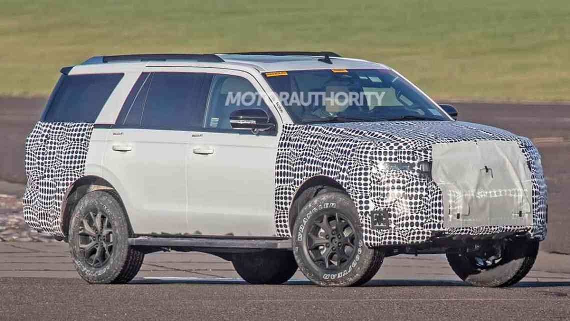 2022 Ford Expedition: We spied the interior of both the 2022 Expedition and Lincoln Navigator