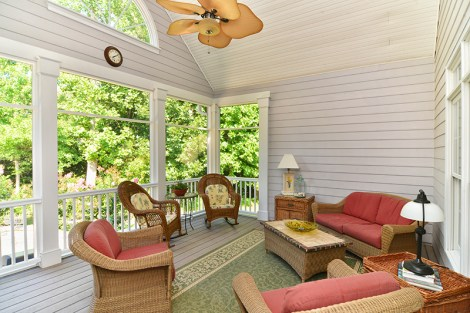 208 Ladybank porch