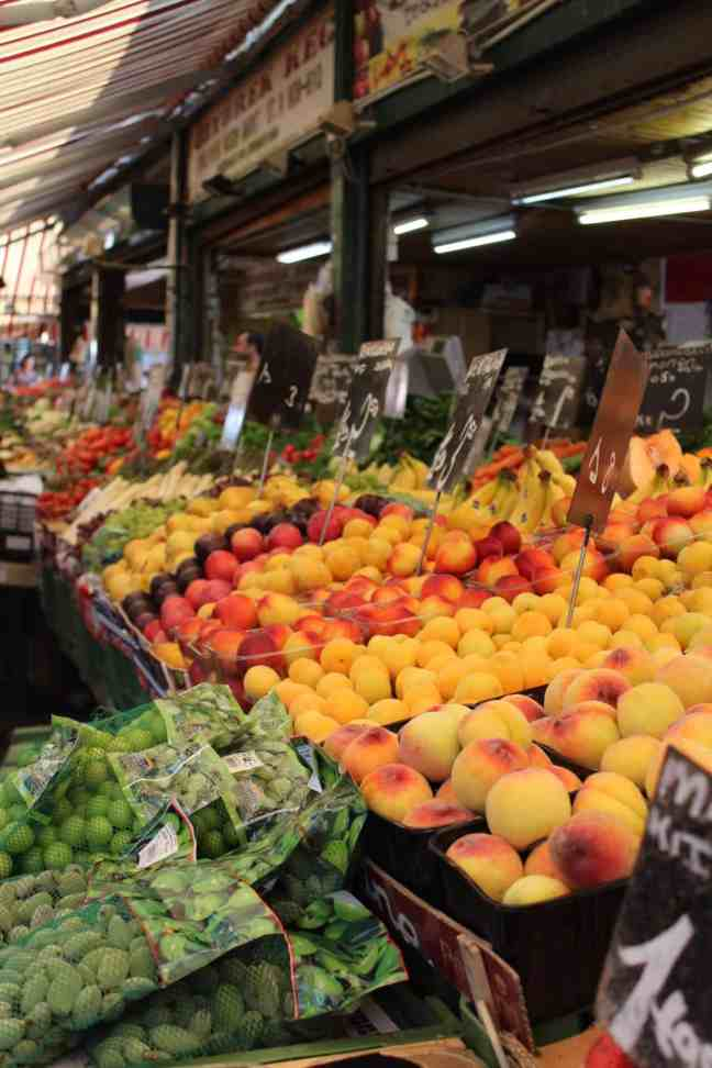 How I afforded to travel europe as a college student: ate at markets