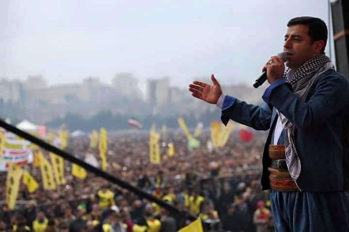 Демирташ очертава границите на кюрдската държава от Вашингтон