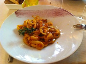 "'Cruset"" of the Stura valley with sausage ragu"