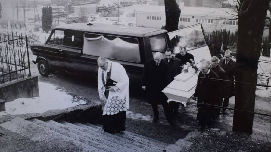 isdal-woman-funeral