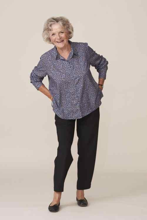 vêtements modernes et élégants pour seniors