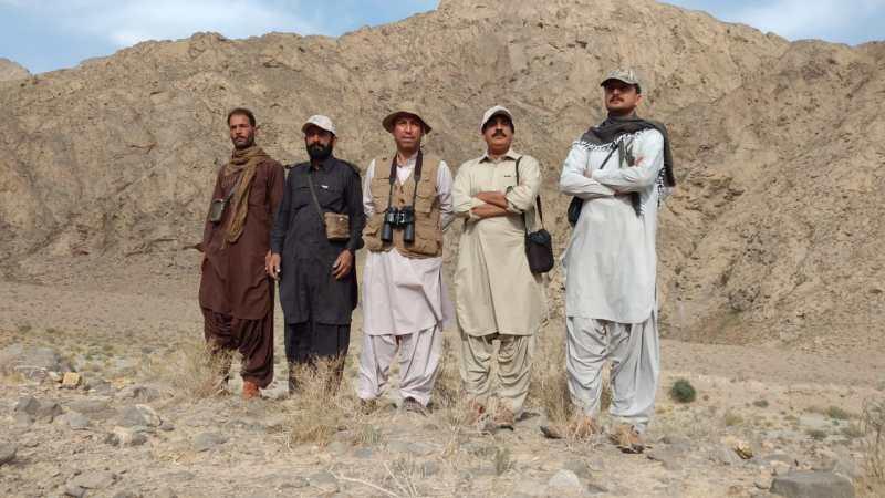 Mr Sharifuddin Baloch Chief Conservator of Wildlife Balochistan (c) Mr Nazir Ahmed Kurd (2nd rt) with staff of Hazarganji Chiltan National Park Balochistan - forestrypedia.com