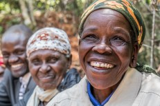 Permalink to: Women and forestry: Drawing on decades of research