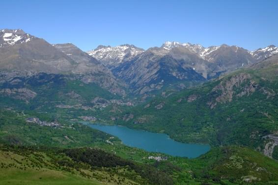 Pyrenees, plastic, plastic pollution, air-borne