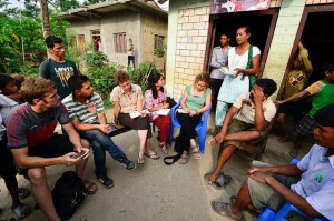 With participatory methodologies researchers and those researched can co-produce knowledge. Photo: Neil Palmer/CIAT