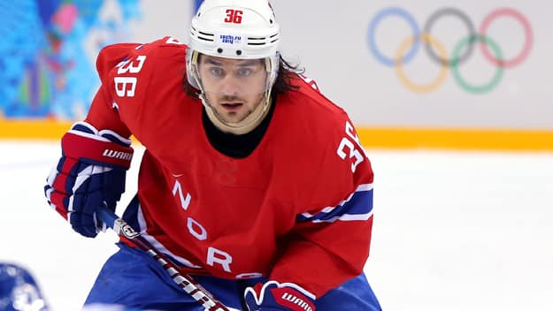 Rangers trade Mats Zuccarello to Dallas for two draft picks