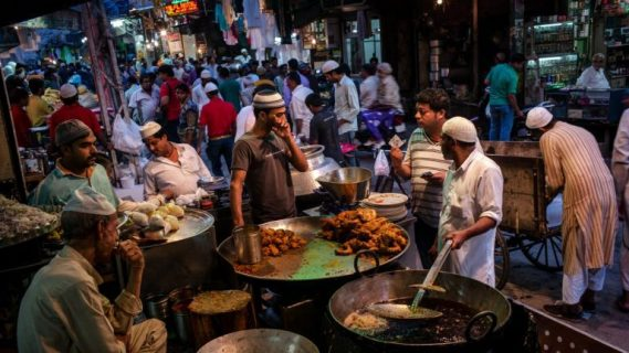 Not iftar parties, Delhi's young Muslims will mark this Ramzan by feeding the poor