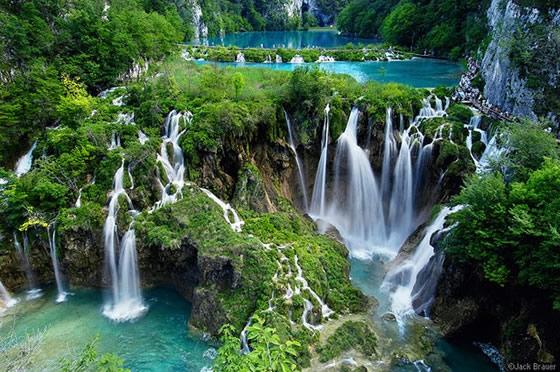 Plitvice-waterfall-falls-croatia-backpacking