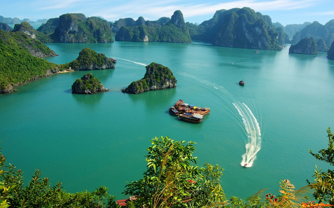ha long-bay vietnam