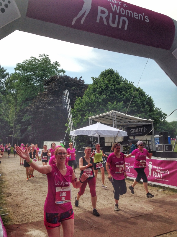 womens run finisher