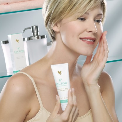 Forever R3 Factor Skin Defense Crème