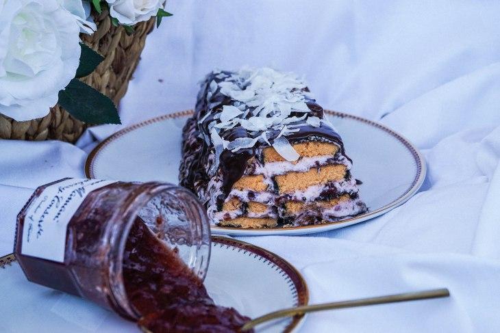 Lamington cake 3-1