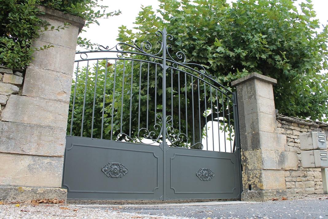 Portails, grilles, clôtures et portillons