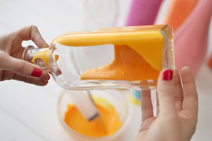 painted-bottle-vases04