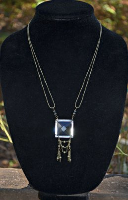 https://www.etsy.com/ca/listing/127983632/chandelier-glass-necklace-vintage?