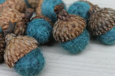https://www.etsy.com/ca/listing/170154484/wool-felted-acorns-wool-roving-thyme?